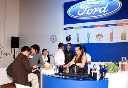 ford - bar - feria del automovil 2010